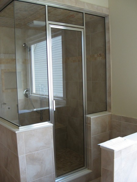 Framed Shower Door  01091