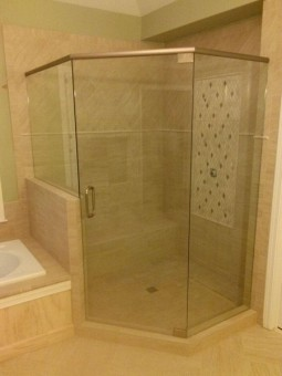 Frameless Shower Door with Header 009