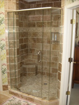 Frameless Shower Door With Header 011