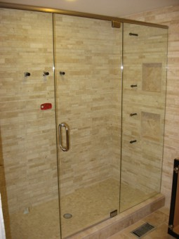 Frameless Shower Door With Header 012