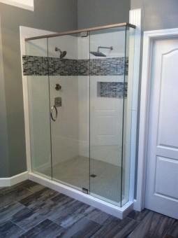 Frameless Shower Door With Header 017
