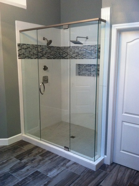 Frameless Shower Door With Header 017