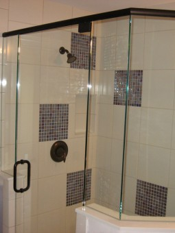 Frameless Shower Door With Header 016