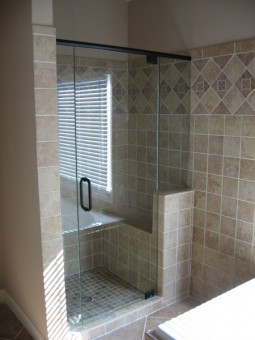 Frameless Shower Door With Header 006