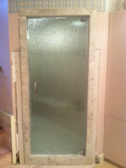 Frameless Shower Door – Steam 006