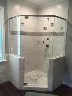 Frameless Shower Door with Header 015