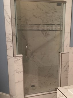 Frameless Shower Door with Header 022