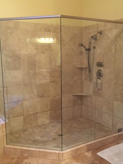 Frameless Shower Door with Header 023