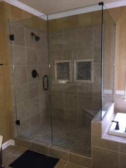 Frameless Shower Door 057