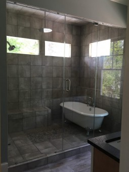 Frameless Shower Door – Steam 009