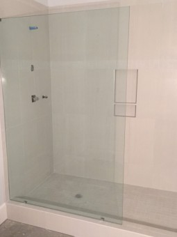 Frameless Shower Panel 001