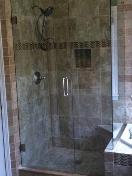 Frameless Shower Door 088