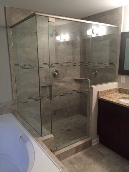 Frameless Shower Door with Header 047
