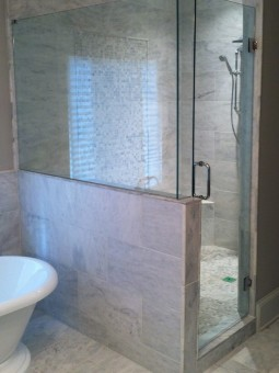 Frameless Shower Door 079