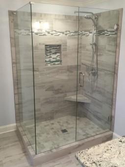 Frameless Shower Door 082