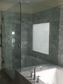 Frameless Shower Door 071