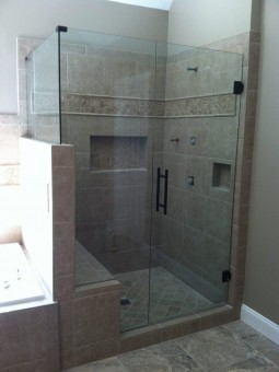 Frameless Shower Door 089