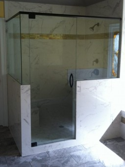 Frameless Shower Door with Header 032