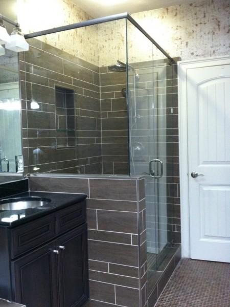 Frameless Shower Door with Header 043