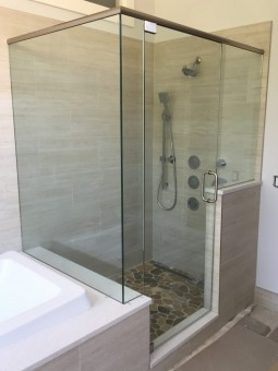 Frameless Shower Door with Header 044