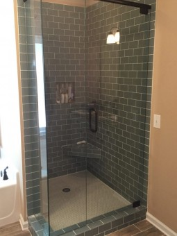 Frameless Shower Door with Header 035
