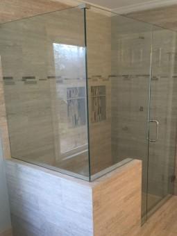 Frameless Shower Door 081