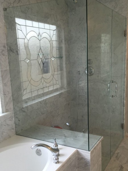 Frameless Shower Door 085