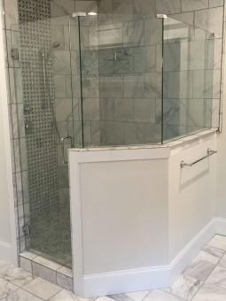 Frameless Shower Door 083