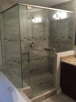 Frameless Shower Door with Header 039