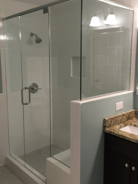Frameless Shower Door with Header 040