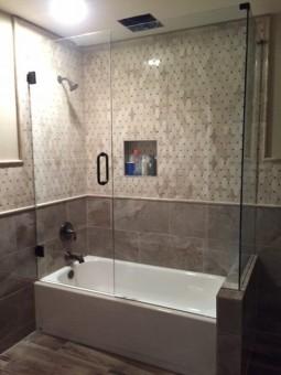 Frameless Shower Door 064