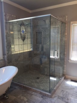 Frameless Shower Door with Header 031