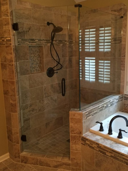 Frameless Shower Door 092
