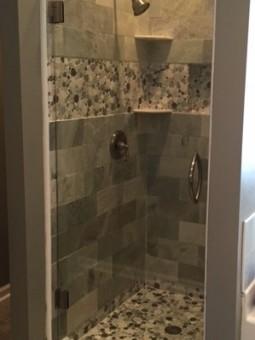Frameless Shower Door 068