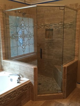 Frameless Shower Door with Header 033