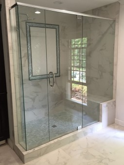 Frameless Shower Door with Header 034