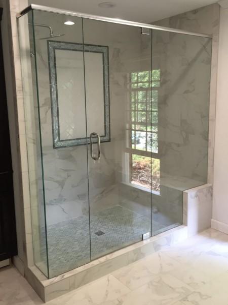 Frameless Shower Door With Header 034