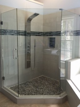 Frameless Shower Door 073