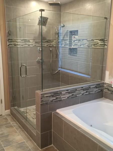 Frameless Shower Door 096