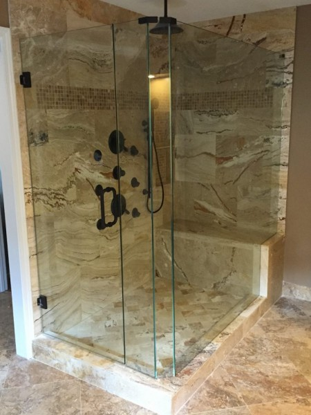 Frameless Shower Door 095