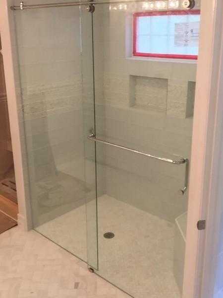 Frameless Shower Door 097